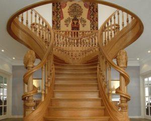 Монтаж лестниц из дуба