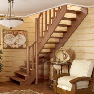 Монтаж лестниц из сосны